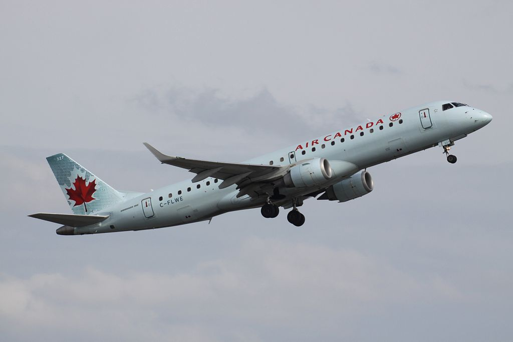 Air Canada C FLWE Embraer E190 departing Toronto Pearson International Airport