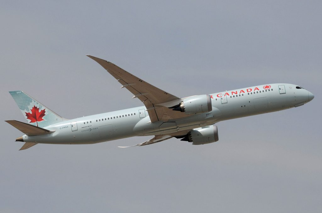 Air Canada C FRSA Boeing 787 9 Dreamliner departing London Heathrow LHR EGLL