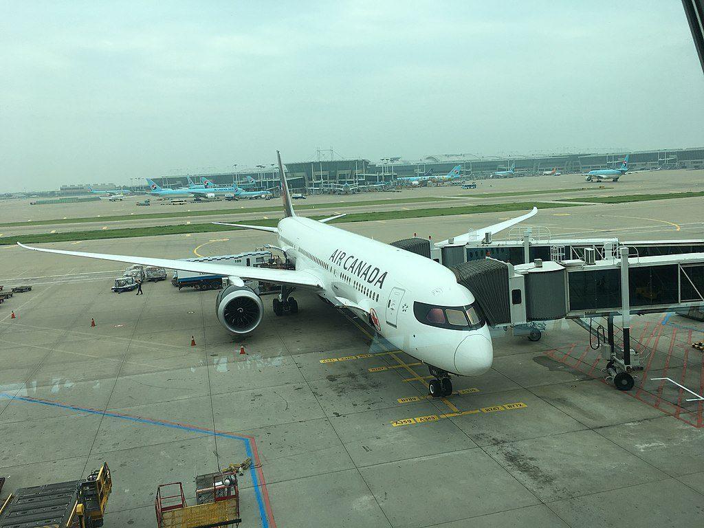 Air Canada C FRTU Boeing 787 9 Dreamliner in Incheon International Airport