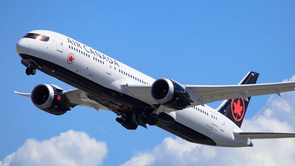 Air Canada C FVLX Boeing 787 9 Dreamliner at San Francisco International Airport