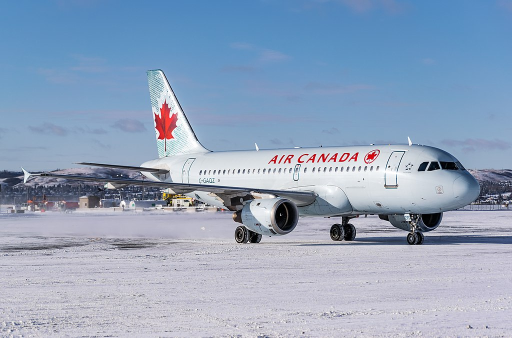 Air Canada C GAQZ Airbus A319 114 cnserial number 740 at Calgary International Airport