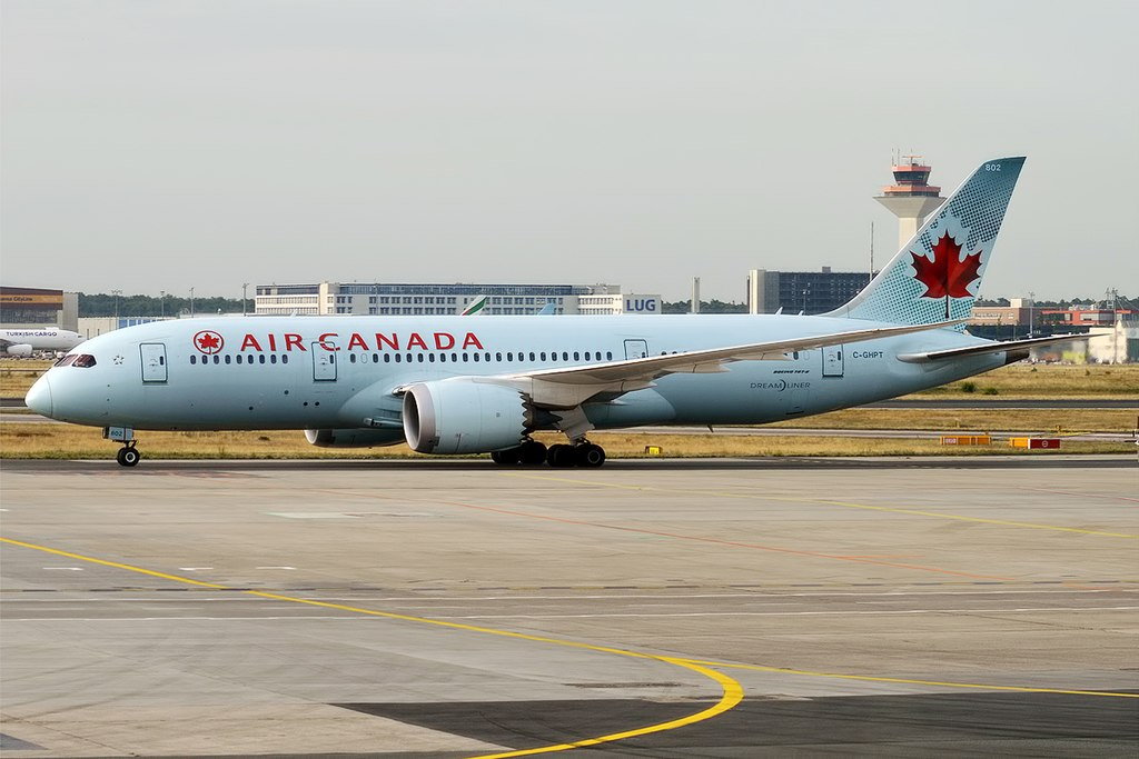 Air Canada C GHPT Boeing 787 8 Dreamliner at Frankfurt Airport Germany