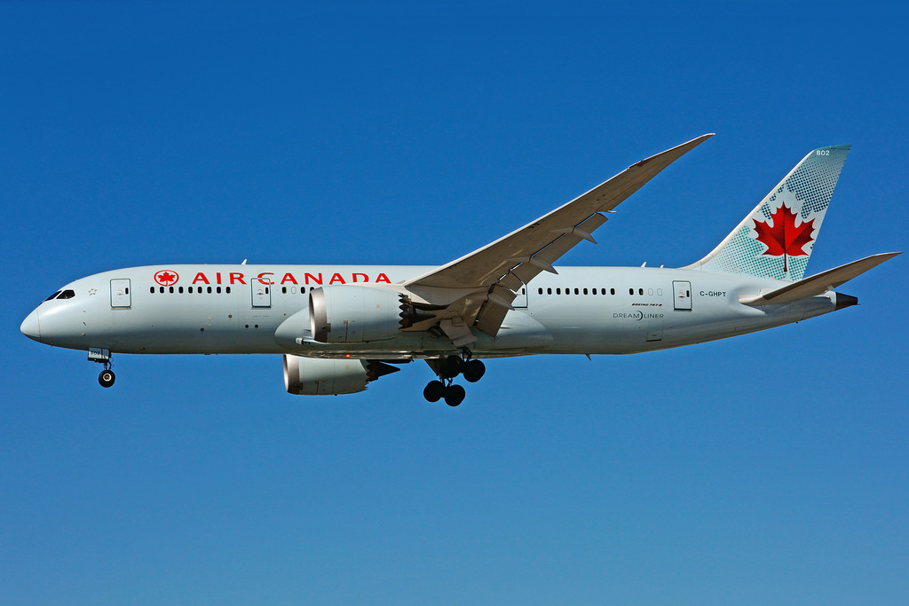 Air Canada C GHPT Boeing 787 8 Dreamliner on final approach at Toronto Lester B. Pearson Airport YYZ