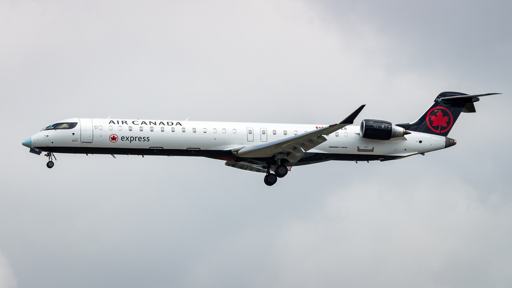 Air Canada Express Jazz Bombardier CRJ900LR C GJZS at Vancouver International Airport