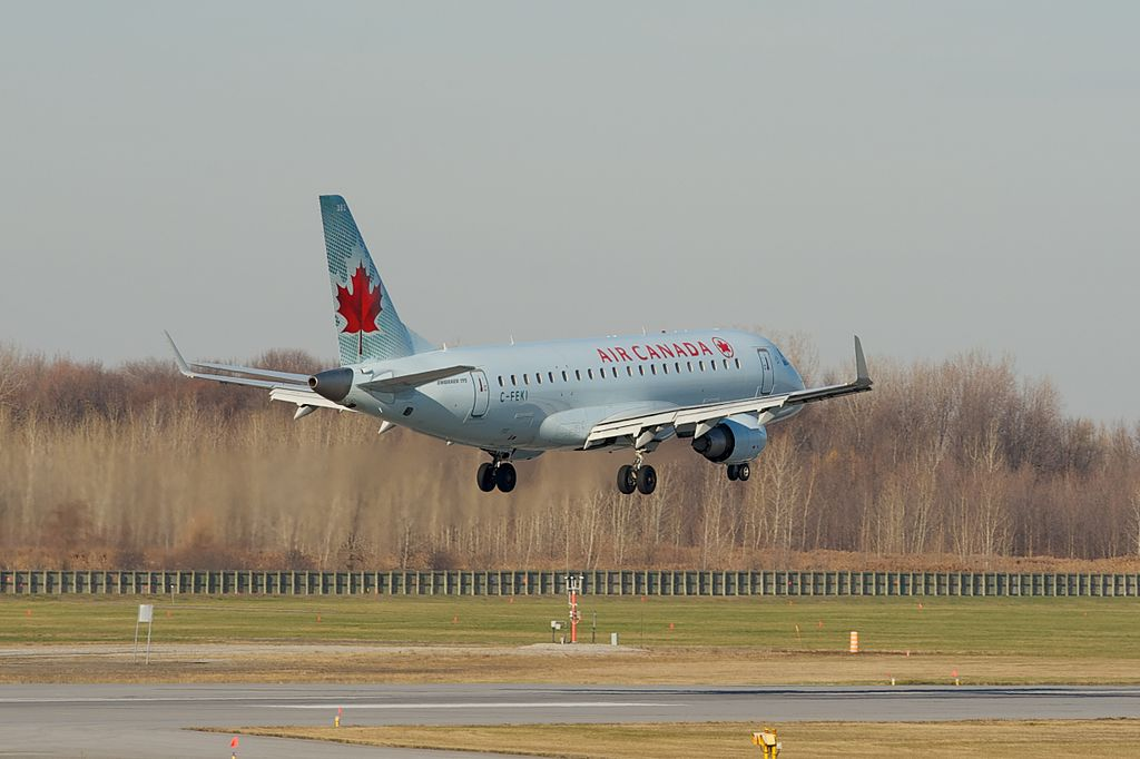 Air Canada Express Sky Regional Airlines Embraer E175 C FEKI on close final to Runway 06L Montréal Trudeau