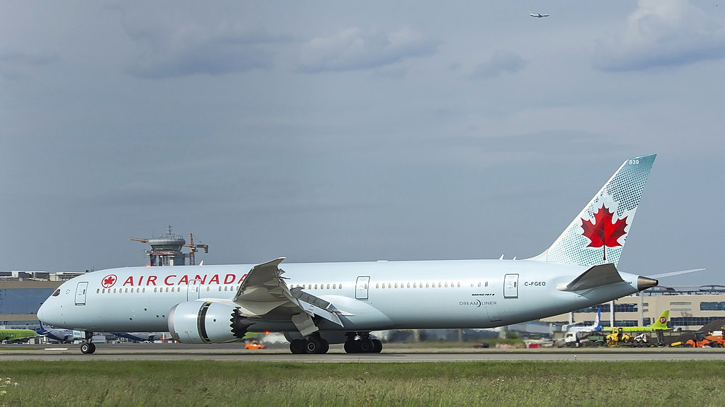 Air Canada Fleet C FGEO Boeing 787 9 Dreamliner landing at Domodedovo International Airport