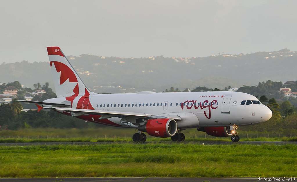 Air Canada Rouge C FYJP Airbus A319 114 cnserial number 688 at Martinique Aimé Césaire International Airport @Maxime