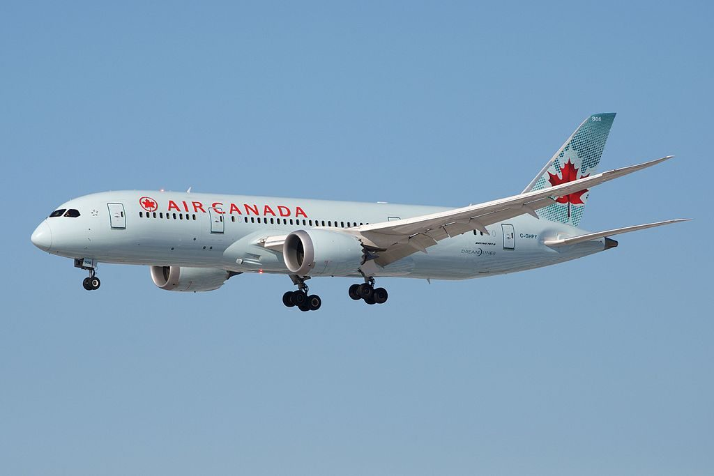 Air Canada Widebody Aircraft Boeing 787 8 Dreamliner C GHPY on final approach at Toronto Pearson International Airport