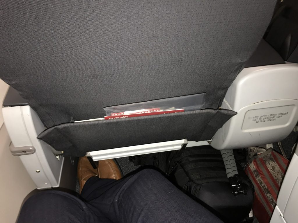 Airbus A319 100 Air Canada Rouge Premium Seats Pitch Legroom Photos