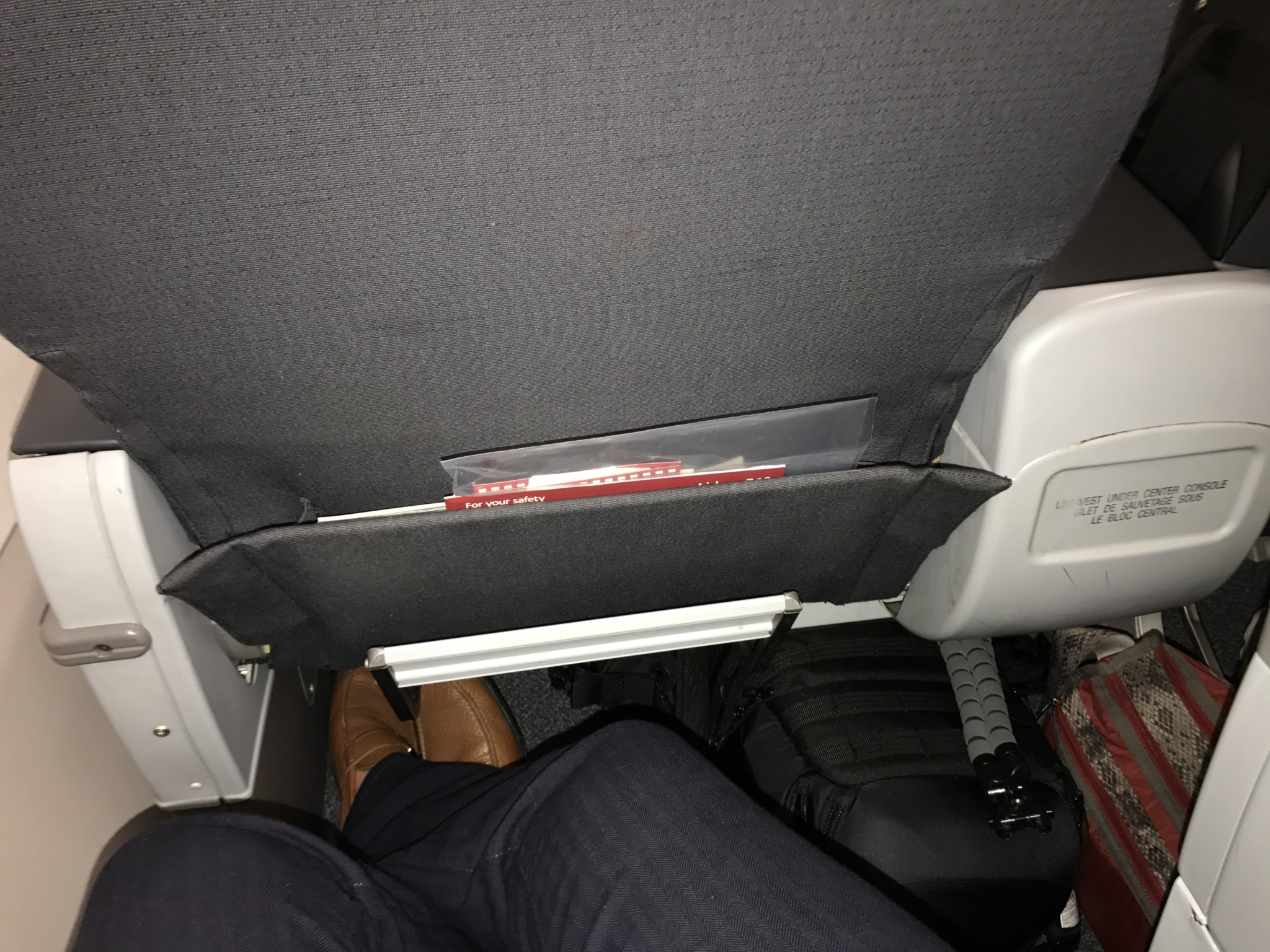 Airbus A319 100 Air Canada Rouge Premium Seats Pitch Legroom Photos