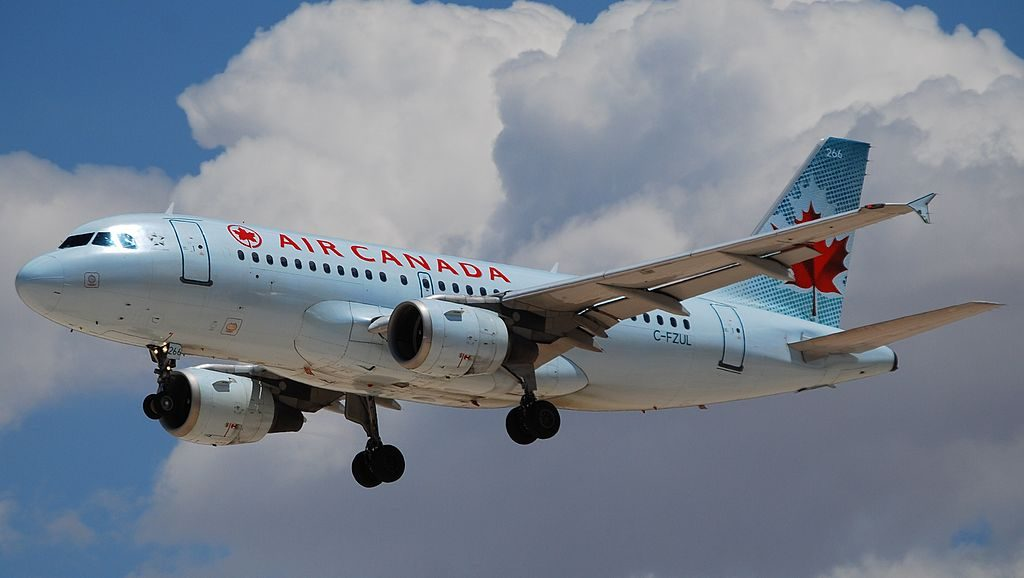 Airbus A319 114 cnserial number 721 Air Canada C FZUL on final approach at McCarran International Airport