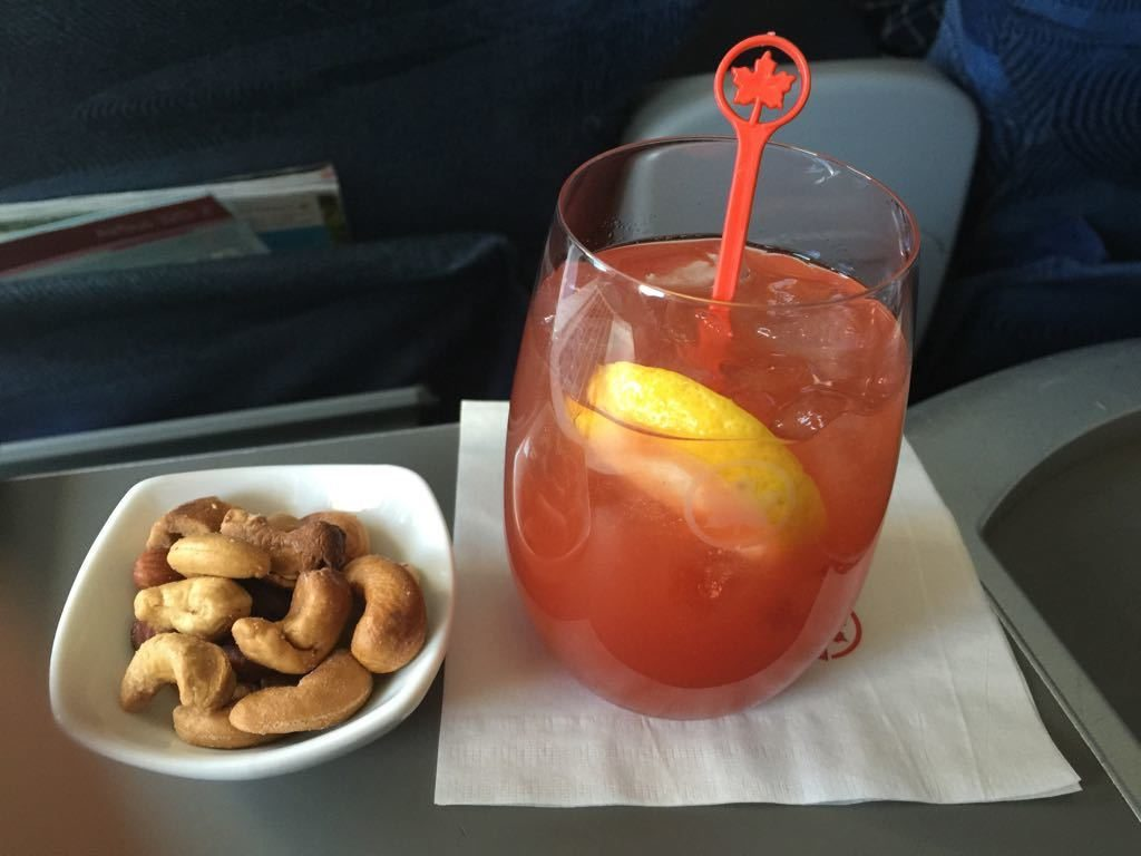 Airbus A320 200 Air Canada aircraft business class cabin inflight beverages drinks and snacks services