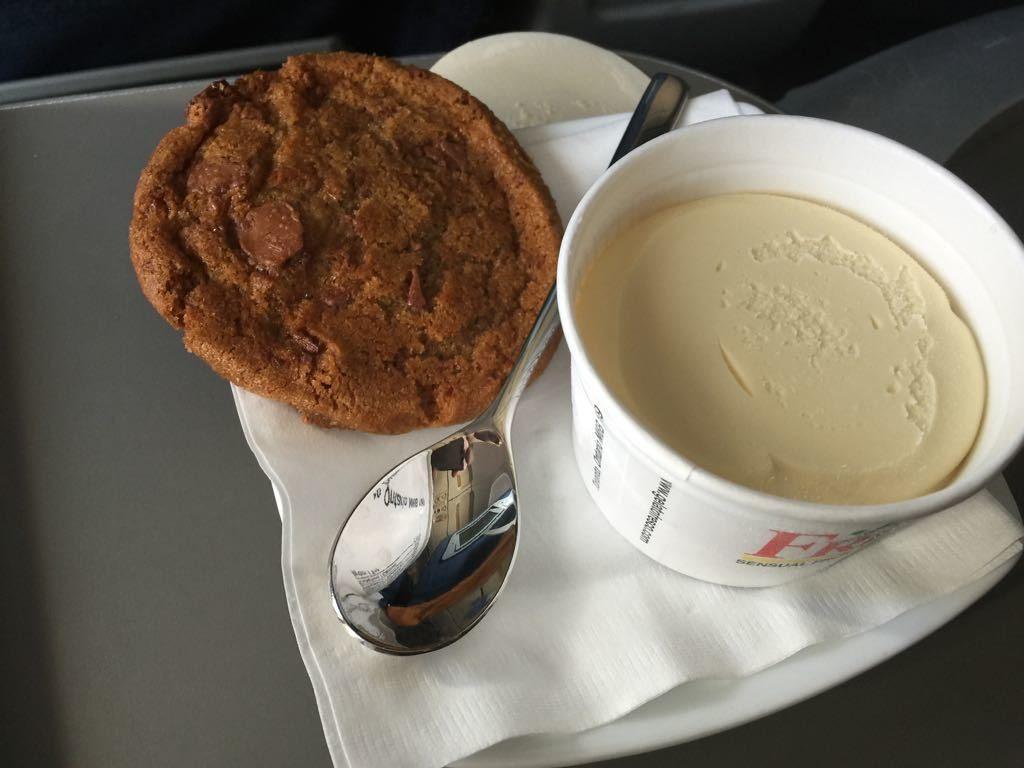 Airbus A320 200 Air Canada aircraft business class cabin inflight services dessert menu