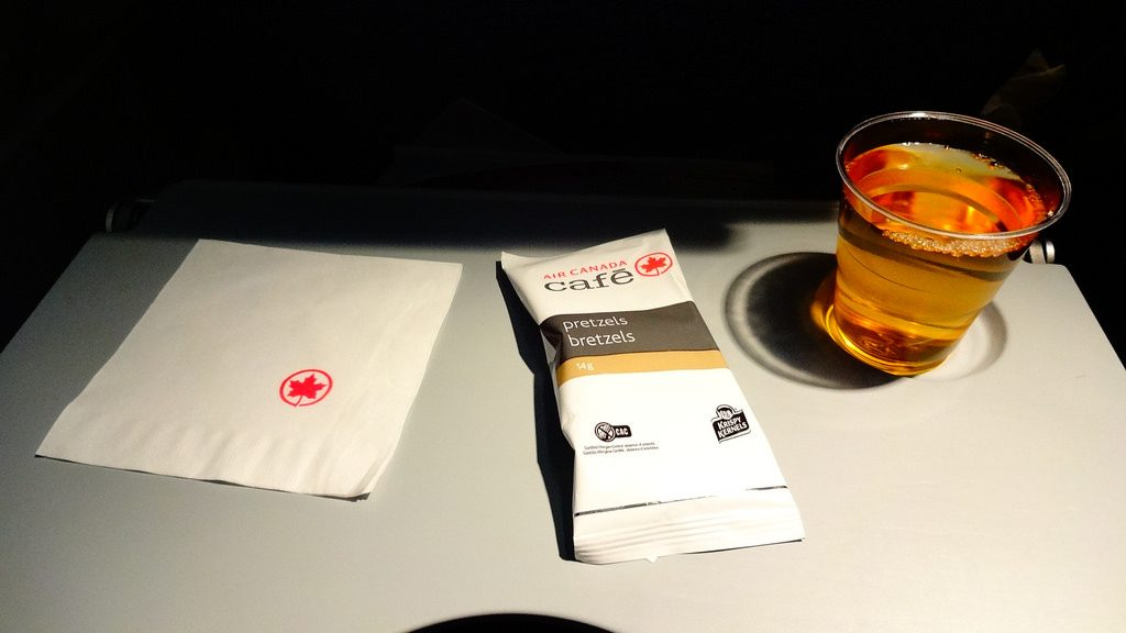 Airbus A320 200 Air Canada aircraft economy class cabin inflight amenities beverages services