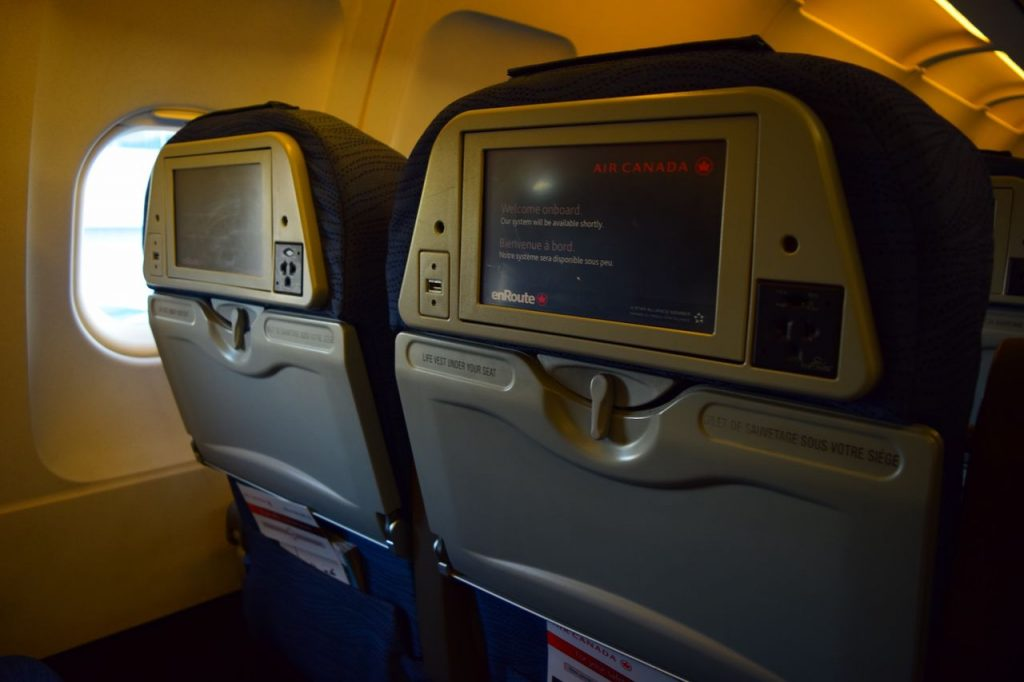 Airbus A320 200 Air Canada fleet economy class standard seats IFE system photos