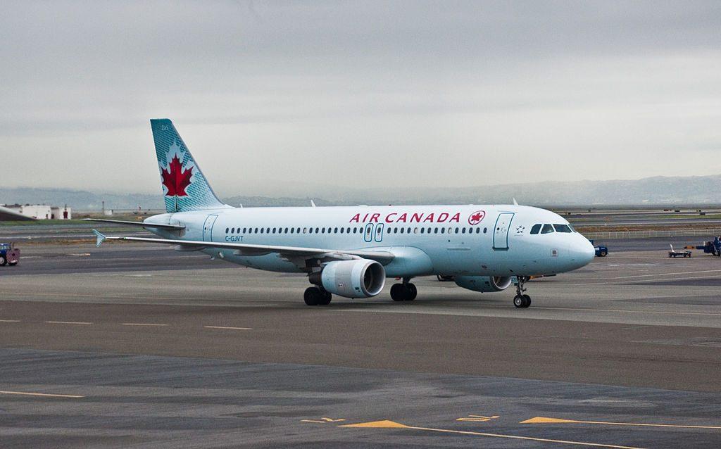 Airbus A320 200 aircraft of Air Canada C GJVT at San Francisco International Airport