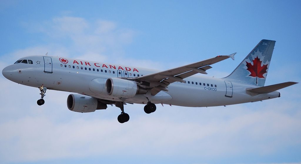Airbus A320 200 aircraft of Air Canada C GKOD at McCarran International Airport