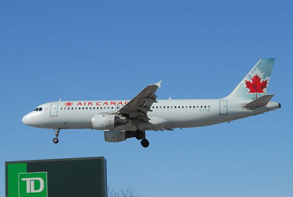 Airbus A320 200 of Air Canada Aircraft Fleet C FTJS on short final at Toronto Pearson International Airport