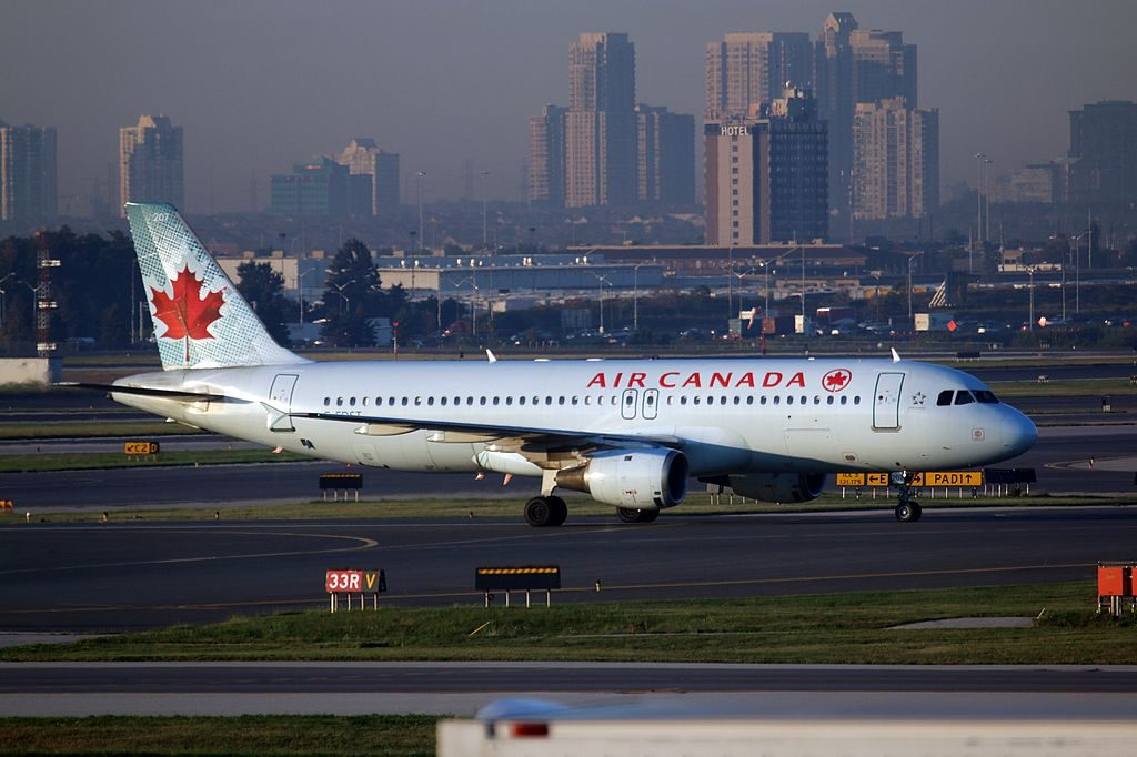 Airbus A320 200 of Air Canada C FDST at Toronto Pearson International Airport