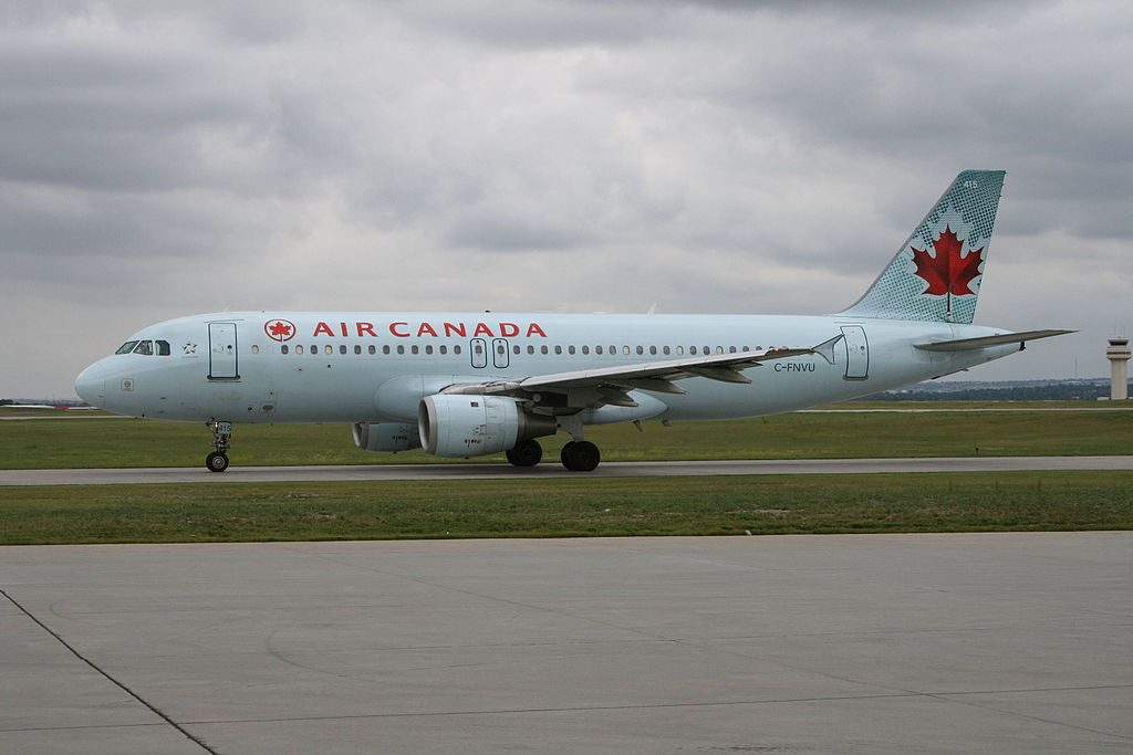 Airbus A320 200 of Air Canada C FNVU at Calgary International Airport