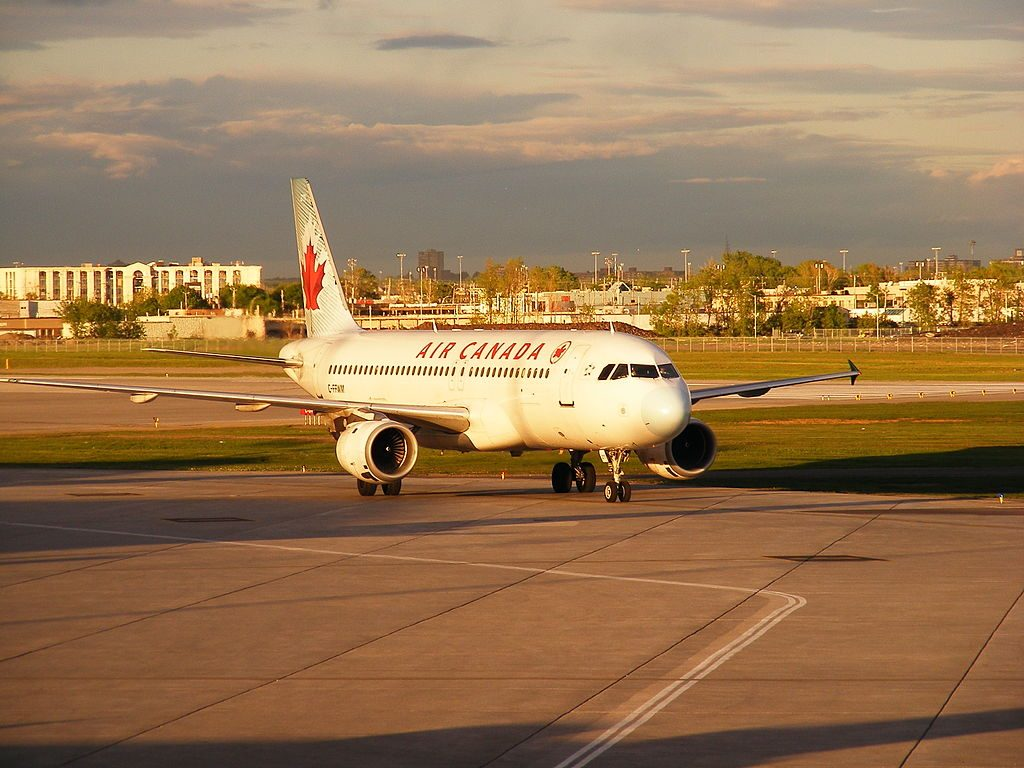 Airbus A320 211 Air Canada Aircraft Fleet C FFWM taxiing on runway at Montréal Pierre Elliott Trudeau International Airport