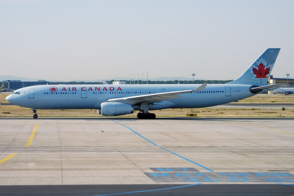 Airbus A330 300 Air Canada ACA C GHKX at Frankfurt Airport