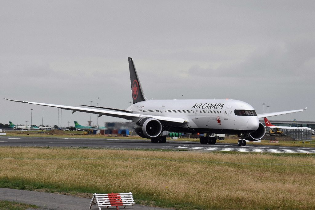 Aircraft C FVLZ Boeing 787 9 Dreamliner Air Canada at Dublin Airport