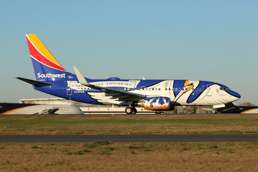Boeing 737 7H4 N946WN Southwest Airlines State of Louisiana Livery at Charlotte Douglas Airport KCLT