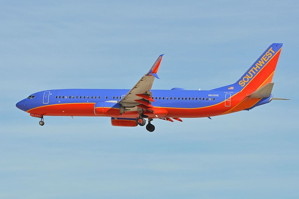 Boeing 737 8H4w N8305E Southwest Airlines arriving on flight SWA1782 from Milwaukee at McCarran International Airport