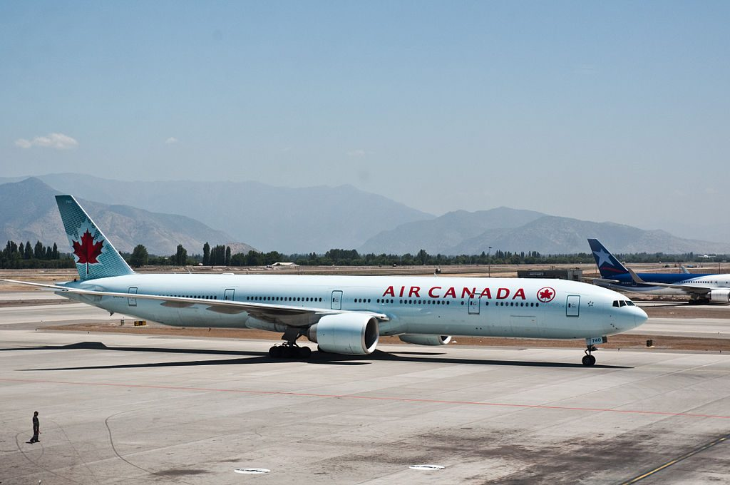 Boeing 777 300ER of Air Canada C FIVQ at Comodoro Arturo Merino Benítez International Airport