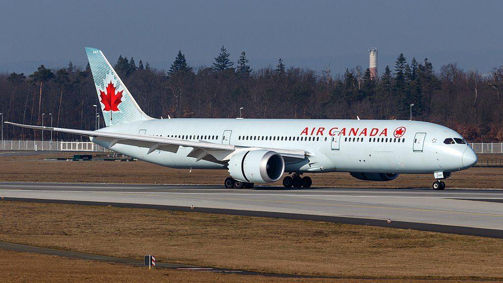 Boeing 787 9 Dreamliner C FPQB Air Canada Widebody Aircraft landing at Frankfurt Airport
