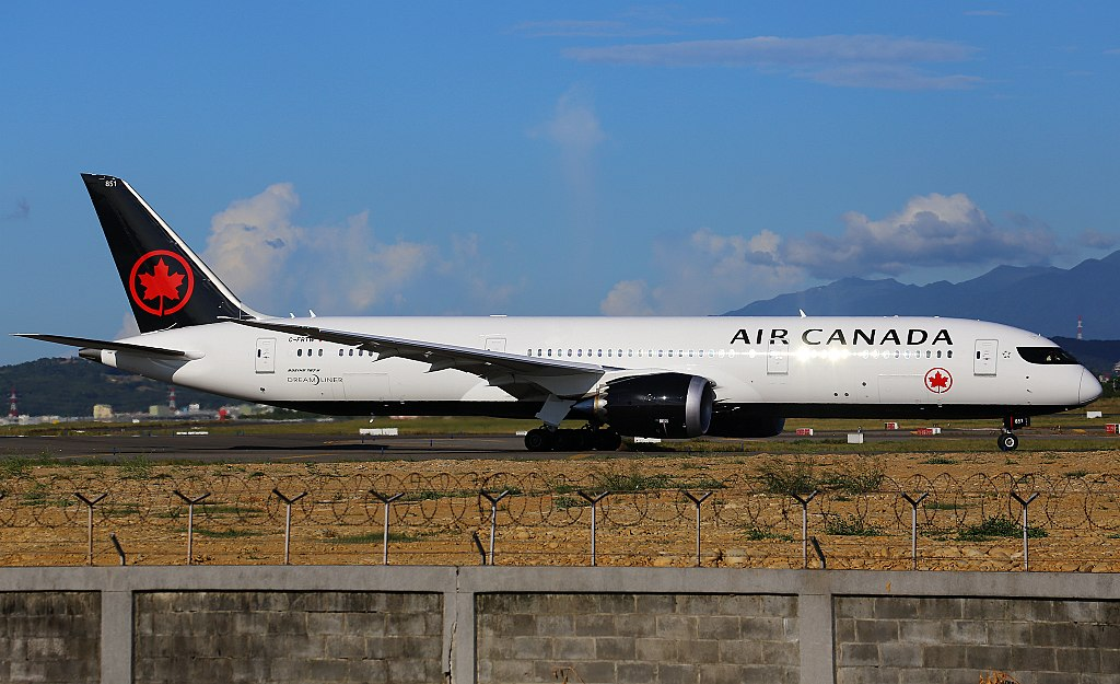 Boeing 787 9 Dreamliner of Air Canada C FRTW at Taiwan Taoyuan International Airport