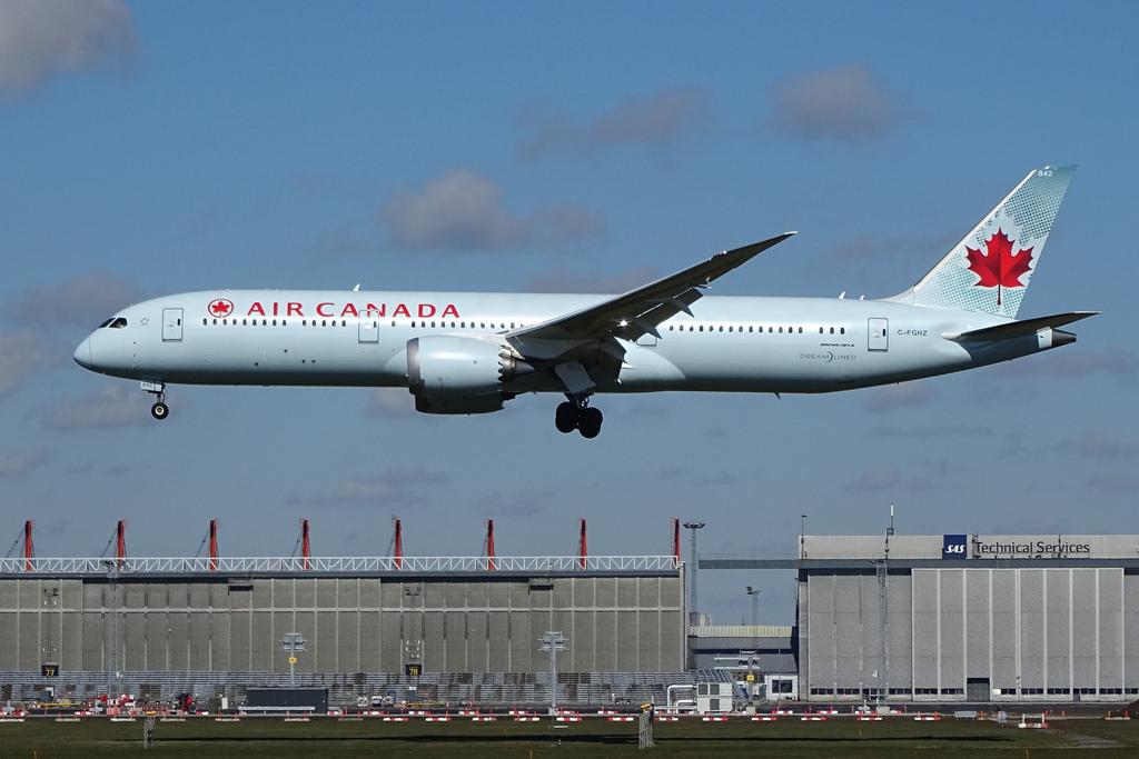 C FGHZ Air Canada Boeing 787 9 Dreamliner at Copenhagen Airport Kastrup IATA CPH ICAO EKCH Denmark