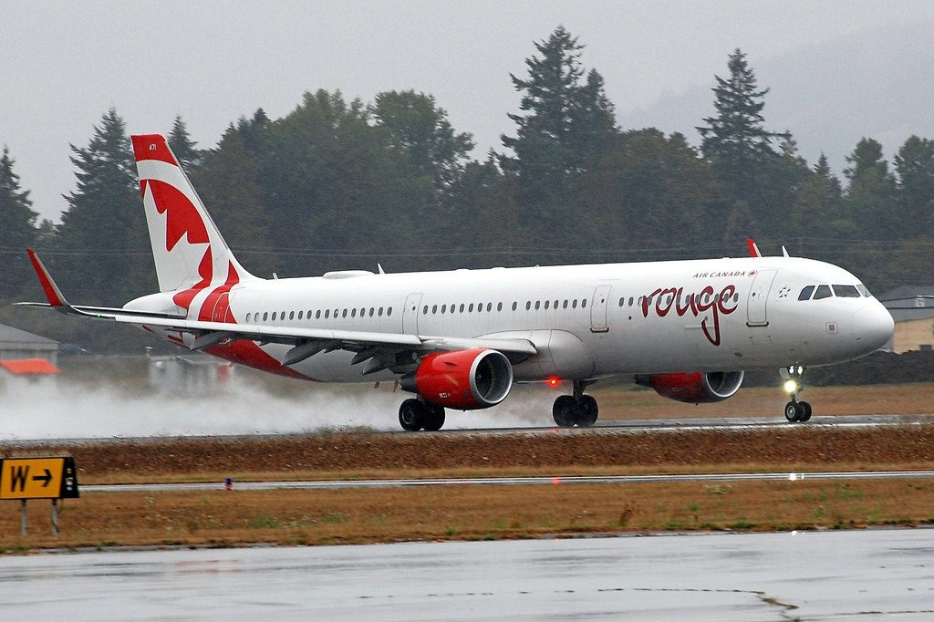 C FJQH Airbus A321 211SL rouge Air Canada at Victoria International Airport IATA YYJ ICAO CYYJ
