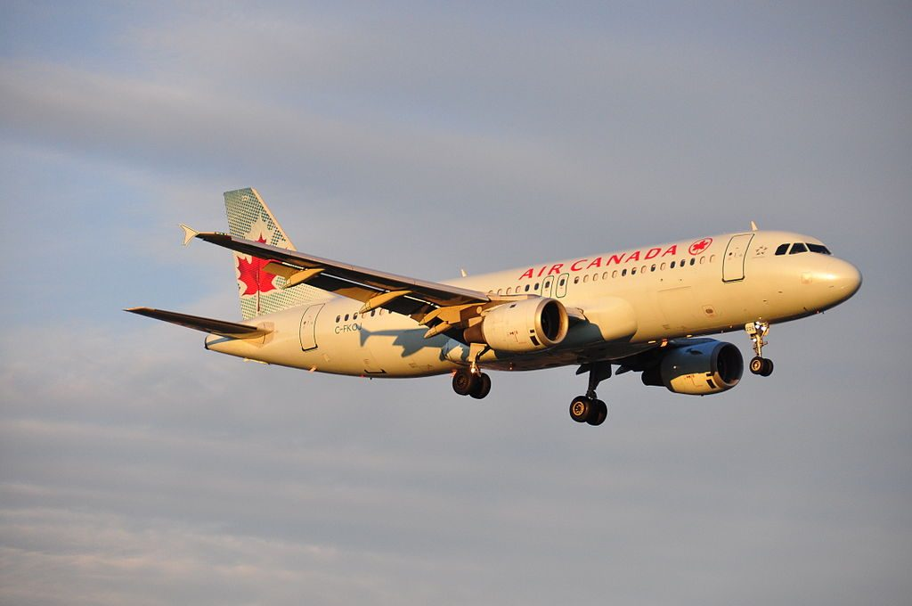 C FKOJ Air Canada Airbus A320 200 on short final before landing at Montréal Pierre Elliott Trudeau International Airport