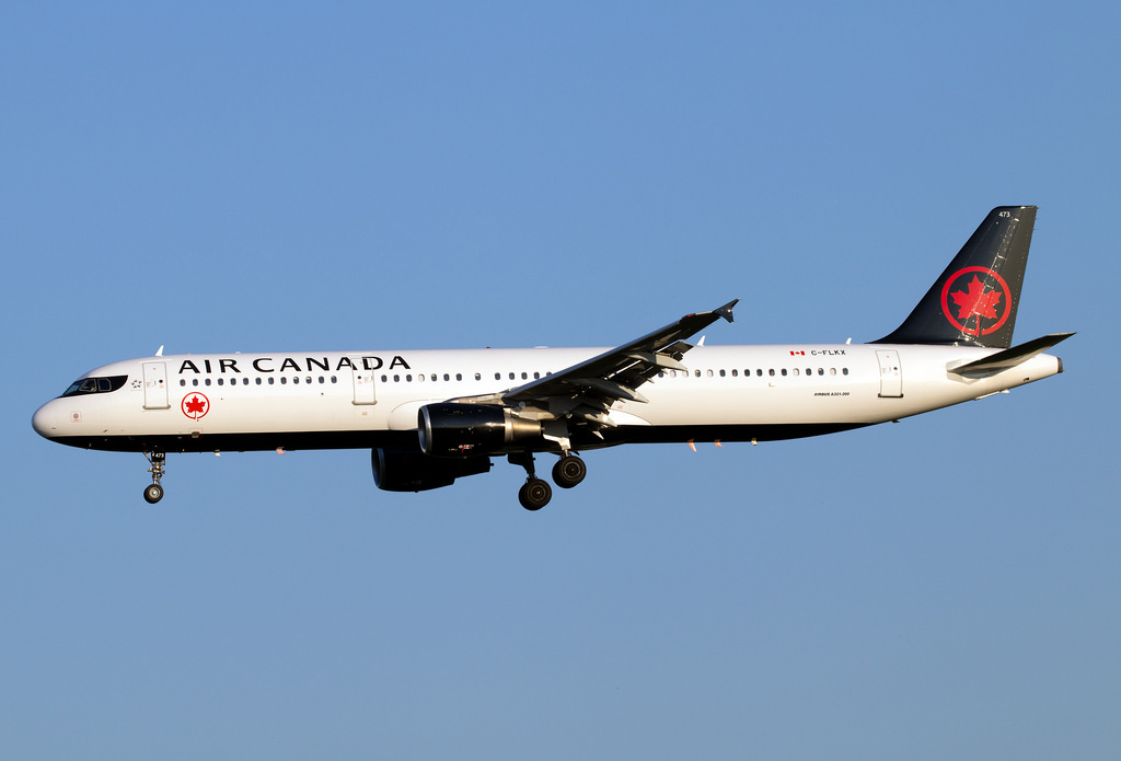 C FLKX Air Canada Airbus A321 211 on final approach at YYZ