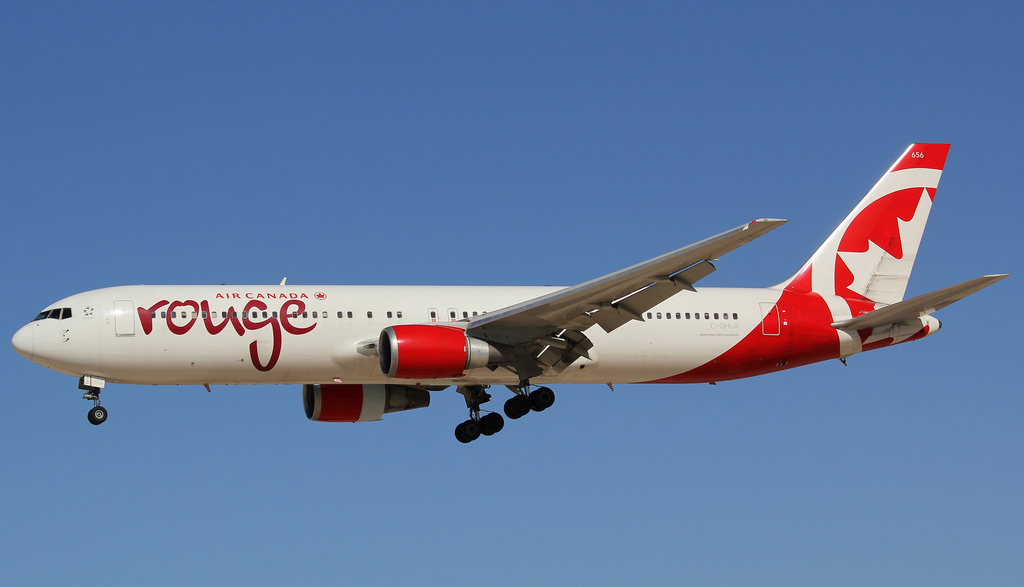 C GHLA Boeing 767 300ER Air Canada Rouge on final approach at Las Vegas Airport