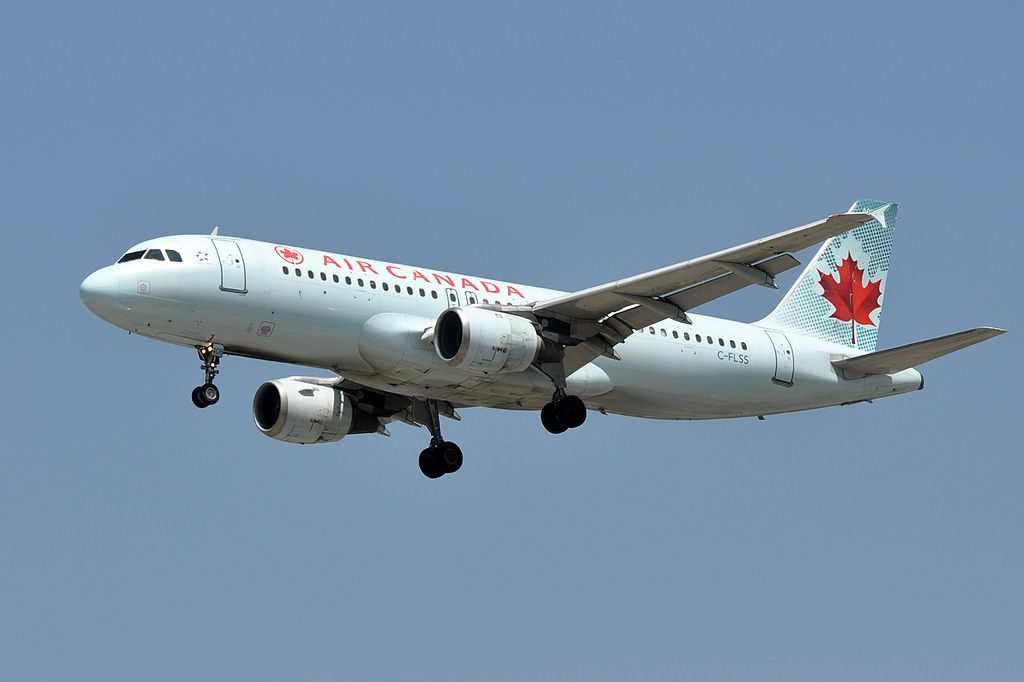 Canada Aircraft Fleet Airbus A320 211 C FLSS on final approach at LAX