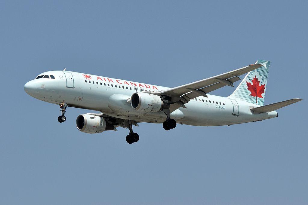 Canada Aircraft Fleet Airbus A320 211 C FLSS on final approach at LAX
