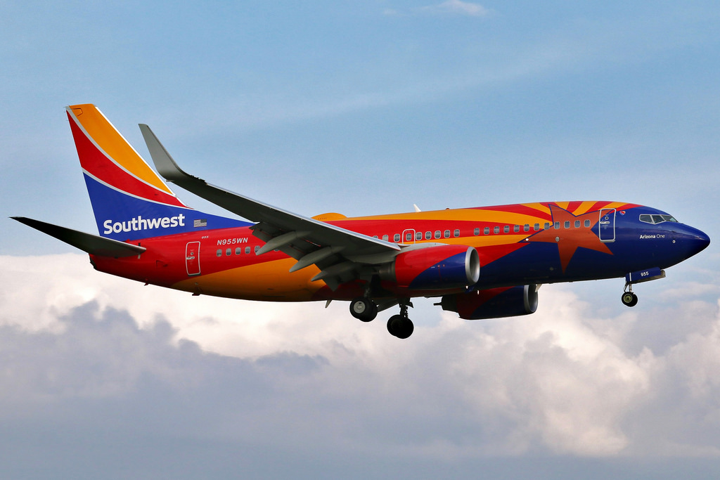 N955WN Southwest Airlines Boeing 737 7H4 Arizona One Livery on final approach at KCLE