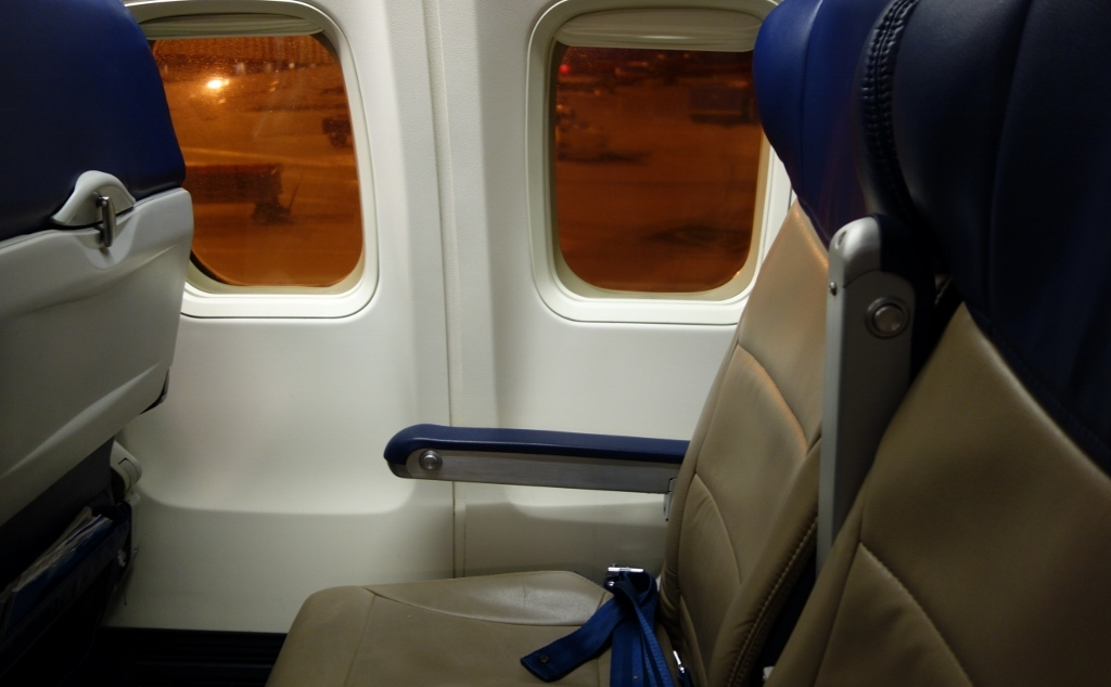 Southwest Airlines Aircraft Boeing 737 700 Window Seats Pitch Photos