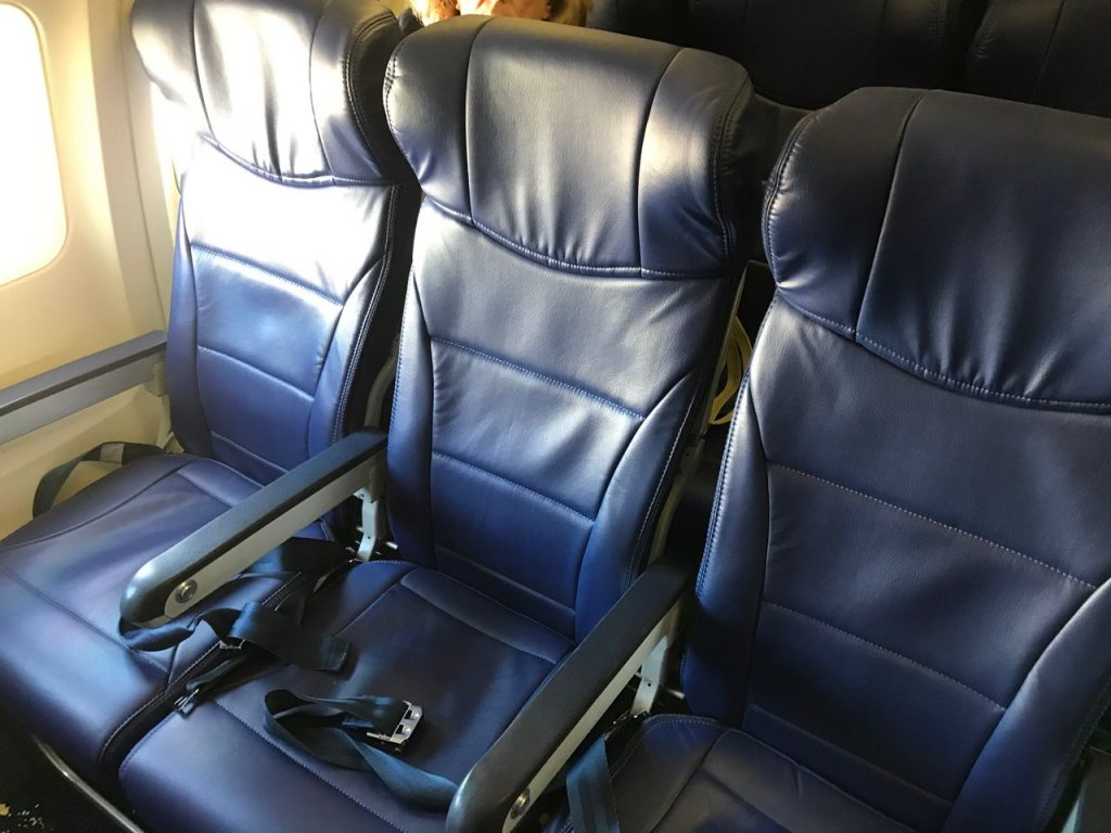 Southwest Airlines Boeing 737 700 Economy Cabin Interior Standard Seats Pitch 3 3 Layout Configuration