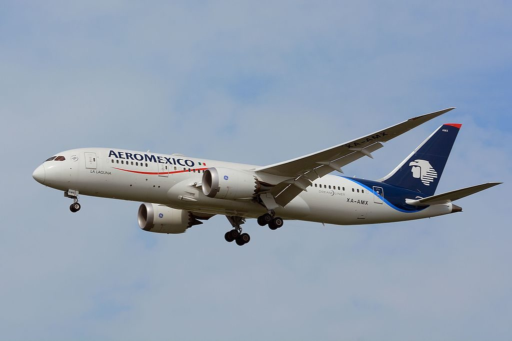 Aeroméxico Boeing 787 8 Dreamliner XA AMX on final approach at NRT Narita International Airport