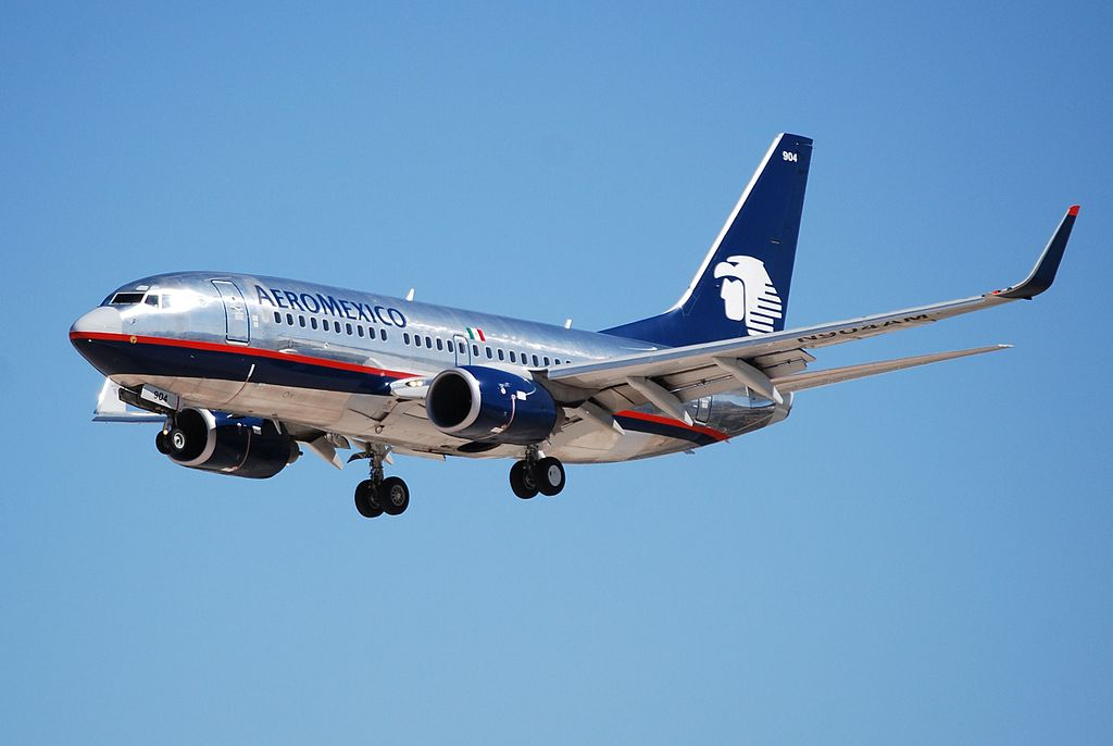 Aeromexico Boeing 737 700 N904AM on final approach at McCarran International Airport
