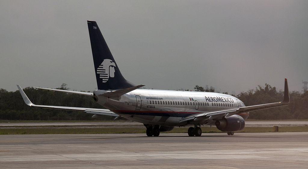 Aeromexico Boeing 737 752 N788XA at Cancun Airport