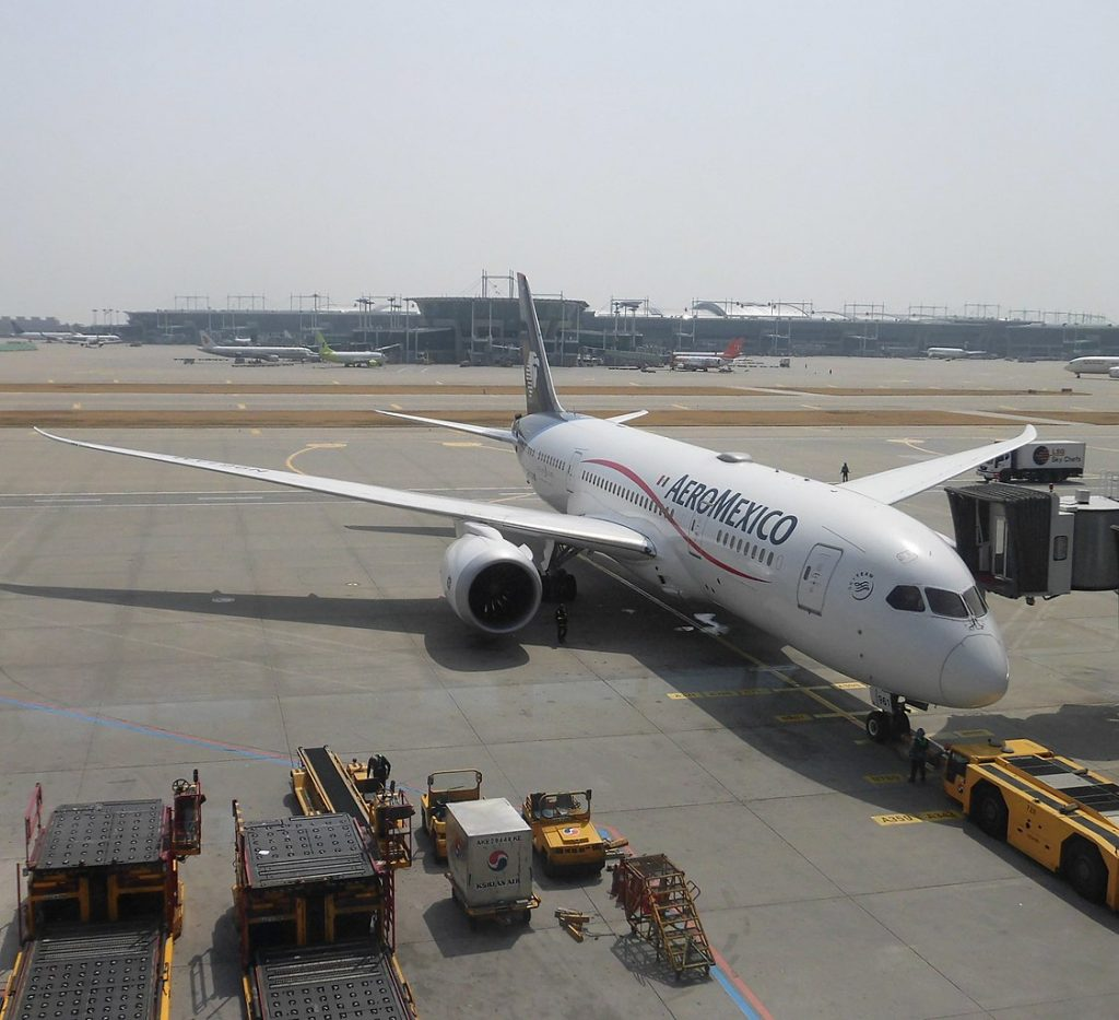 Aeromexico Boeing 787 8 Dreamliner N961AM parking at Incheon International Airport