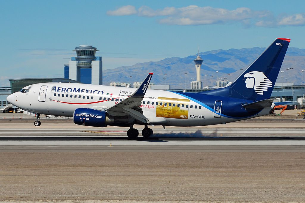 Aeromexico XA GOL Boeing 737 700 landing at McCarran International Airport