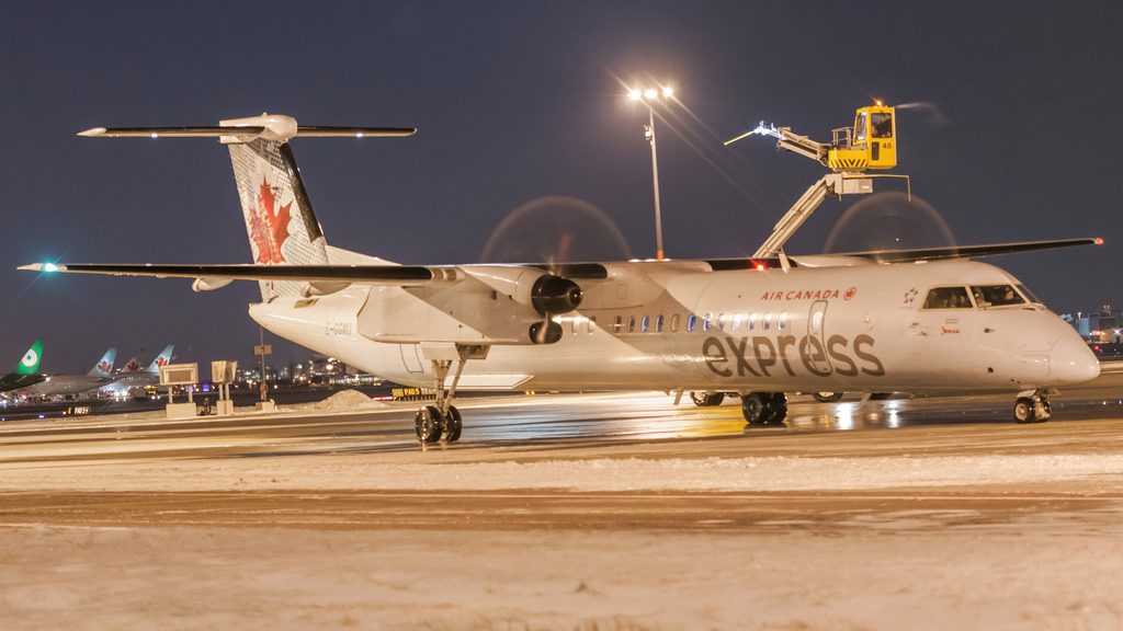 Air Canada Express Jazz Bombardier Dash 8 Q400 C GGMU after de icing at YYZ Airport
