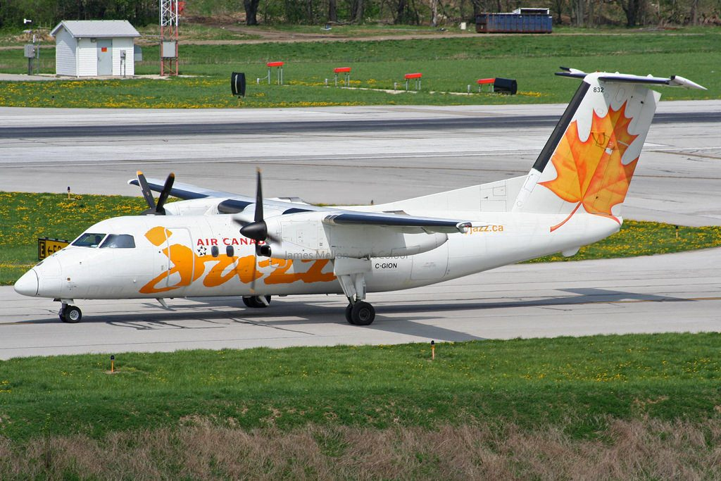 Air Canada Express Jazz C GION Bombardier Dash 8 100 at Port Columbus