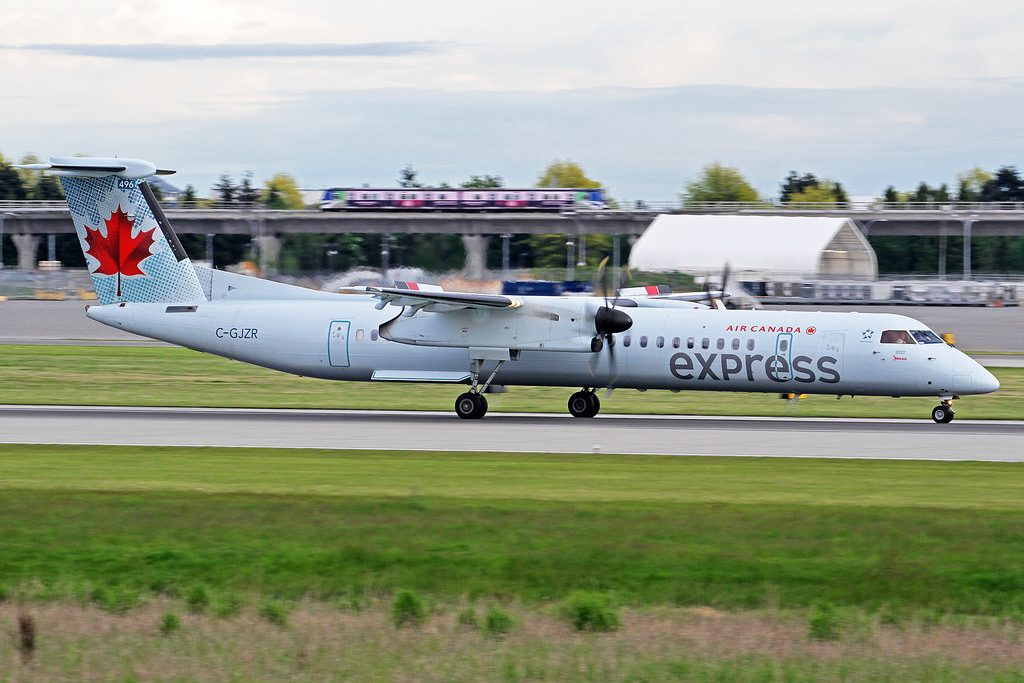 Air Canada Express Jazz DeHavilland DHC 8 402Q C GJZR at Vancouver International Airport YVR